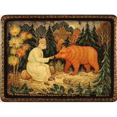 """Лаковая миниатюра """"Серафим Саровский кормит медведя"""""""