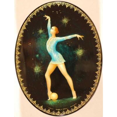 """Лаковая миниатюра """"Танец с мячом"""""""